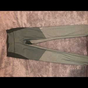 Green tricolor outdoor voices full length legging
